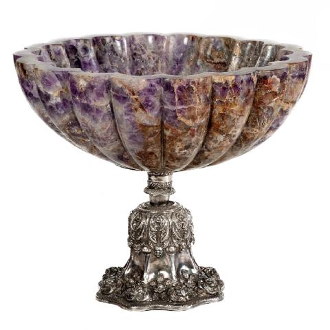 Fluted amethyst bowl